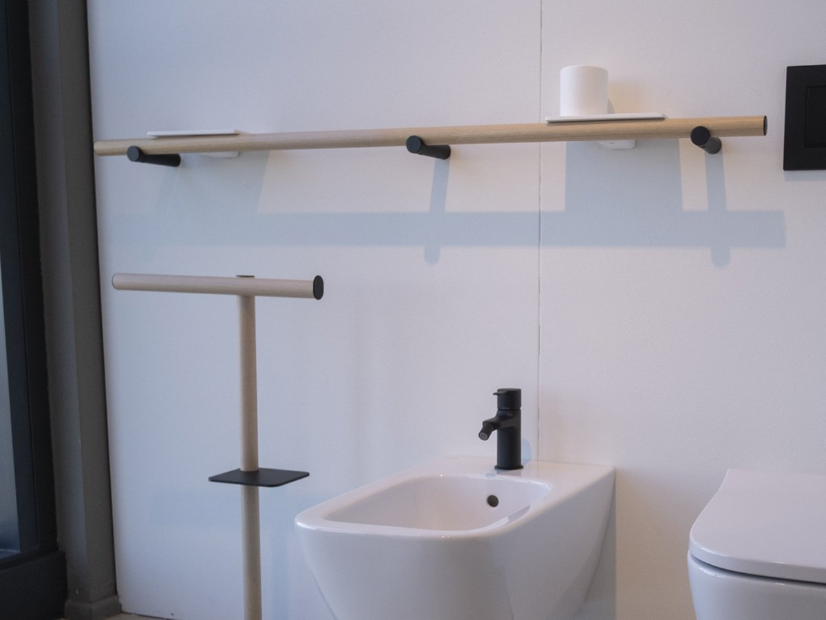 Agape, Dot Line Towel holder with accessories
